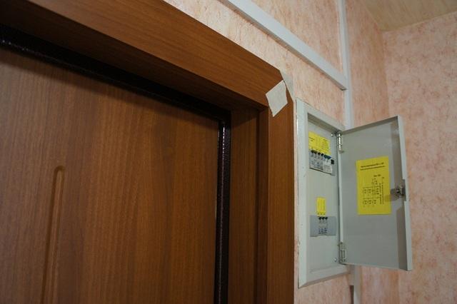 Отделка дверных просветов своими руками dom.conky.ru