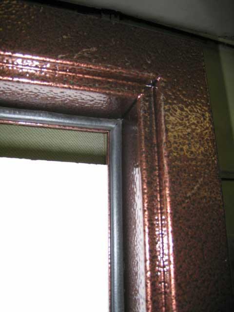 уплотнение на железной двери